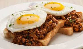 What the savoury mince on toast with eggs should have looked like.